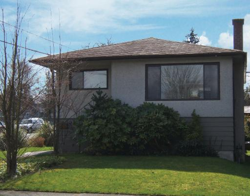 "Main Photo: 894 E 32ND Avenue in Vancouver: Fraser VE House for sale in ""FRASER"" (Vancouver East)  : MLS® # V696084"