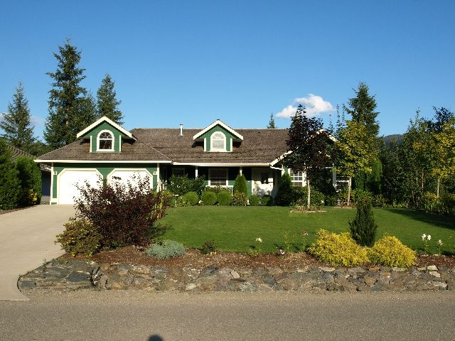 Main Photo: 2731 Golf Course Drive in Blind Bay: Shuswap Lake Estates Residential Detached for sale : MLS(r) # 9190048