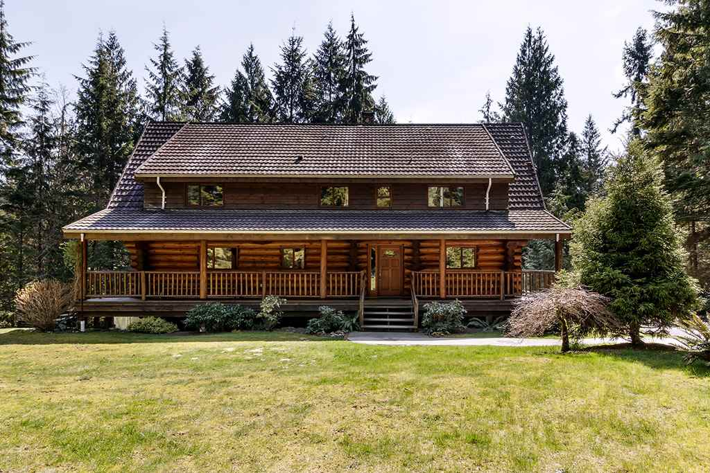 FEATURED LISTING: 105 ELEMENTARY Road Anmore