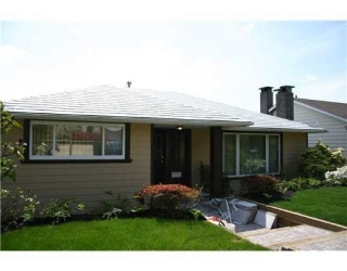 Main Photo: 1023 CLOVERLEY ST in North Vancouver: House for sale : MLS(r) # V830913