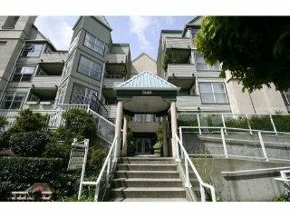 Main Photo: 110 509 Carnarvon Street in New Westminster: Downtown NW Condo for sale : MLS® # V826956