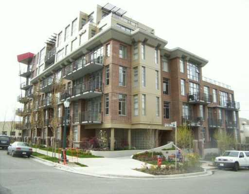 "Main Photo: 2629 PRINCE EDWARD ST in Vancouver: Mount Pleasant VE Townhouse for sale in ""SOMA"" (Vancouver East)  : MLS(r) # V586864"