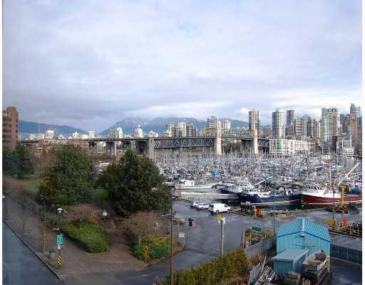 "Main Photo: 506 1510 W 1ST Avenue in Vancouver: False Creek Condo for sale in ""MARINER POINT"" (Vancouver West)  : MLS® # V691019"
