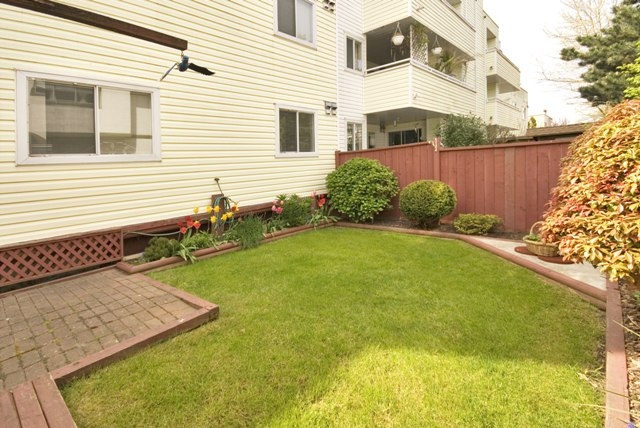 Photo 19: 4 5661 LADNER TRUNK Road in Ladner: Hawthorne Condo for sale : MLS® # V708348