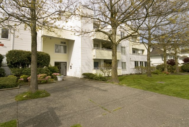 Photo 11: 4 5661 LADNER TRUNK Road in Ladner: Hawthorne Condo for sale : MLS® # V708348