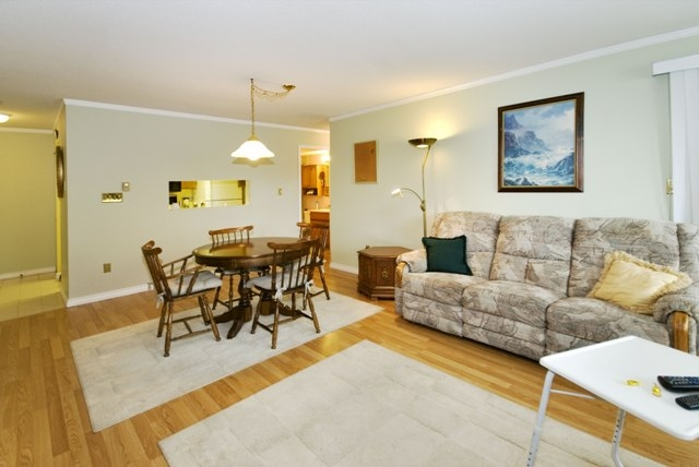 Photo 14: 4 5661 LADNER TRUNK Road in Ladner: Hawthorne Condo for sale : MLS® # V708348