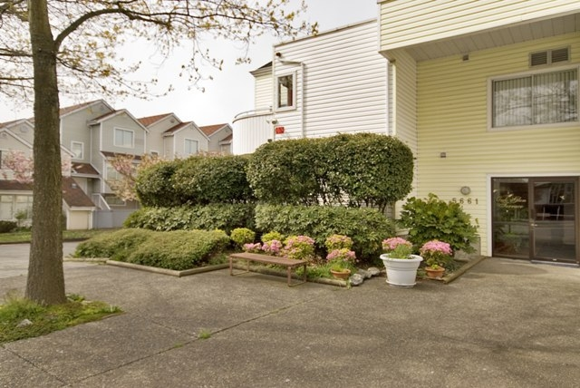 Photo 20: 4 5661 LADNER TRUNK Road in Ladner: Hawthorne Condo for sale : MLS® # V708348