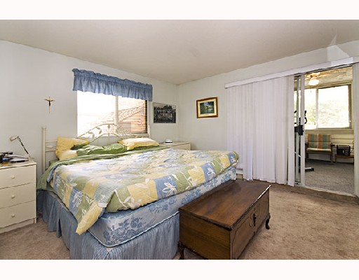 Photo 9: 4 5661 LADNER TRUNK Road in Ladner: Hawthorne Condo for sale : MLS® # V708348