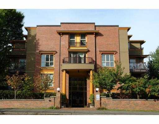 "Main Photo: 1B 2775 FIR Street in Vancouver: Fairview VW Condo for sale in ""STERLING COURT"" (Vancouver West)  : MLS(r) # V796291"