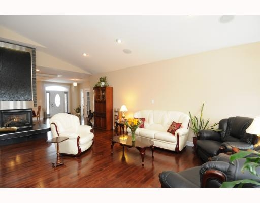 Photo 7:  in Edmonton: House for sale : MLS(r) # E3208385