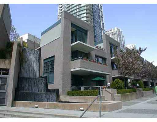 Main Photo: 1039 EXPO Boulevard in Vancouver: Downtown VW Townhouse for sale (Vancouver West)  : MLS(r) # V675698