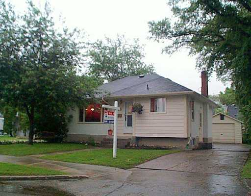 Main Photo: 89 BANK Avenue in Winnipeg: St Vital Single Family Detached for sale (South East Winnipeg)  : MLS® # 2509103