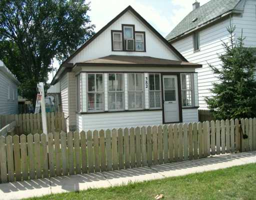 Main Photo: 382 TWEED Avenue in Winnipeg: East Kildonan Single Family Detached for sale (North East Winnipeg)  : MLS® # 2613443