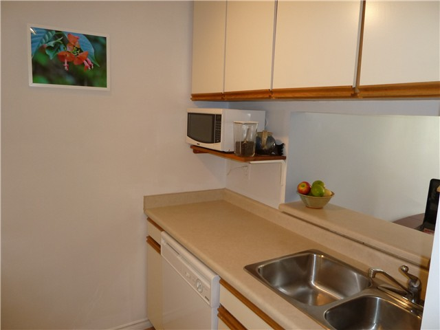 Photo 7: 301 1775 W 10 Avenue in Vancouver: Fairview VW Condo for sale (Vancouver West)  : MLS(r) # V884876
