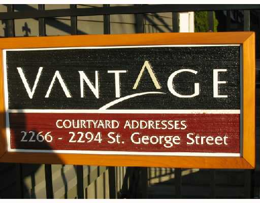 "Main Photo: 2268 ST GEORGE Street in Vancouver: Mount Pleasant VE Townhouse for sale in ""THE VANTAGE"" (Vancouver East)  : MLS(r) # V691116"