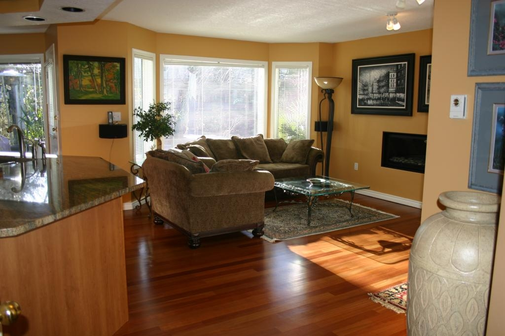 Photo 11: 885 Maltwood Terr in Victoria: Residential for sale : MLS® # 286938