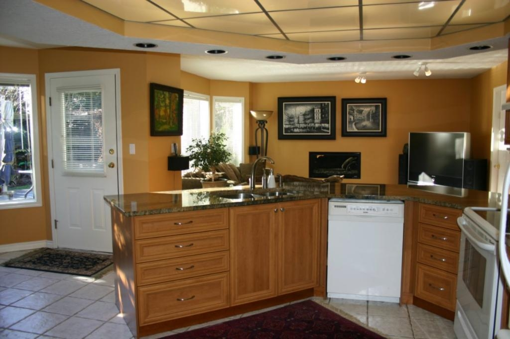 Photo 14: 885 Maltwood Terr in Victoria: Residential for sale : MLS® # 286938