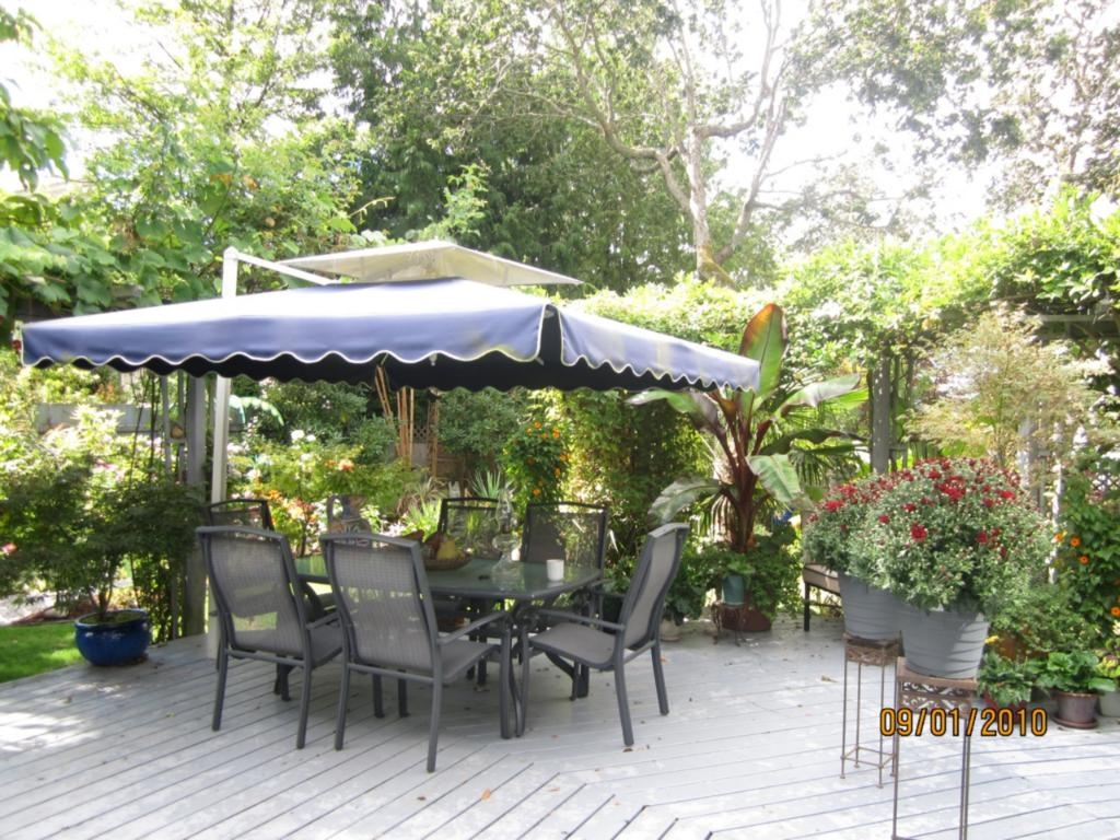 Photo 4: 885 Maltwood Terr in Victoria: Residential for sale : MLS® # 286938