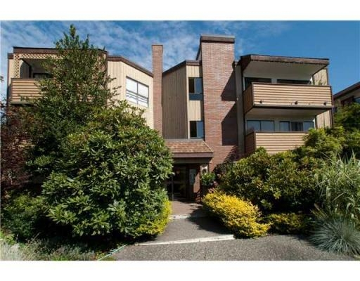FEATURED LISTING: 319 - 206 15th Street East North Vancouver