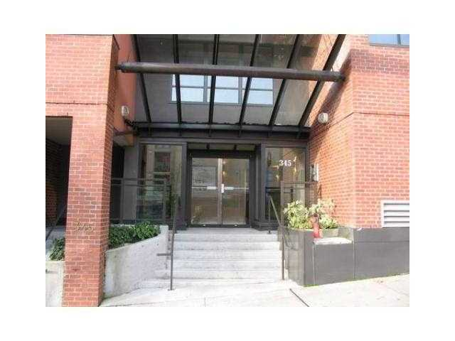"Main Photo: # 411 345 LONSDALE AV in North Vancouver: Lower Lonsdale Condo for sale in ""THE MET"" : MLS(r) # V898186"