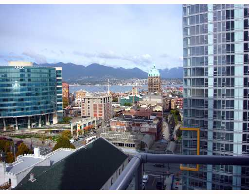 "Main Photo: 1805 668 CITADEL PARADE BB in Vancouver: Downtown VW Condo for sale in ""SPECTRUM 2"" (Vancouver West)  : MLS®# V682739"