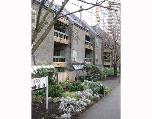 "Main Photo: 326 1500 PENDRELL Street in Vancouver: West End VW Condo for sale in ""PENDRELL MEWS"" (Vancouver West)  : MLS®# V683404"