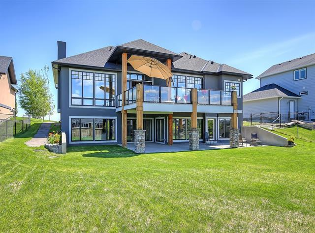 FEATURED LISTING: 977 East Lakeview Road Chestermere
