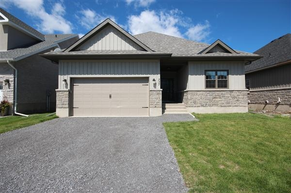 Main Photo: 737 Amaryllis Street in Kingston: House (Bungalow) for sale : MLS(r) # 12606108