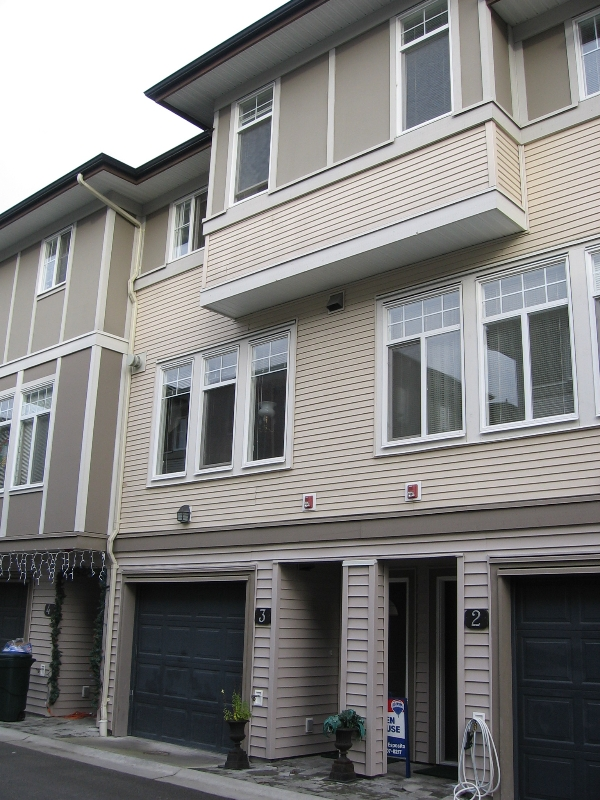 "Photo 1: 3 1010 EWEN Avenue in New_Westminster: Queensborough Townhouse for sale in ""Windsor Mews"" (New Westminster)  : MLS(r) # V683428"