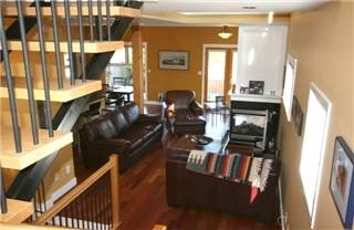 Photo 3: : Single Family Dwelling for sale (Esquimalt Esquimalt Victoria Vancouver Island/Smaller Islands British Columbia)  : MLS(r) # 252065