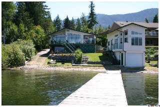 Main Photo: 877 Armentieres Road in Sorrento: Waterfront House for sale : MLS(r) # 10096314