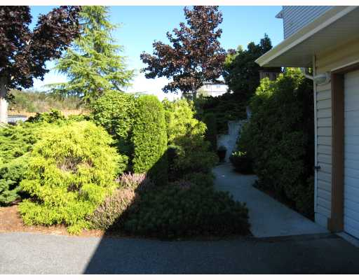 "Photo 2: Photos: 6 5630 TRAIL Avenue in Sechelt: Sechelt District Townhouse for sale in ""HIGHPOINT"" (Sunshine Coast)  : MLS® # V671857"