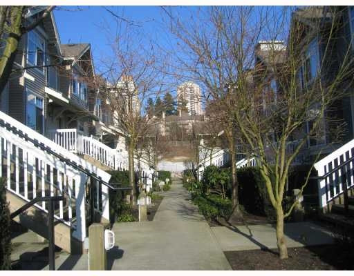 Main Photo: #201 38 Leopold Place in New Westminster: Downtown NW House for sale : MLS®# V766811
