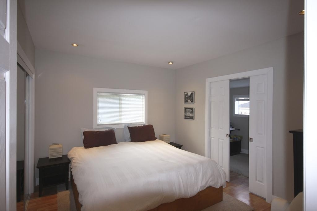 Photo 16: 410 Walter Ave in Victoria: Residential for sale : MLS(r) # 283473