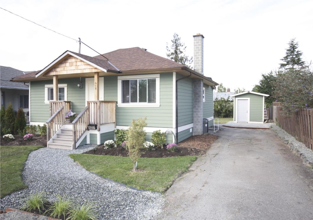 Main Photo: 410 Walter Ave in Victoria: Residential for sale : MLS(r) # 283473