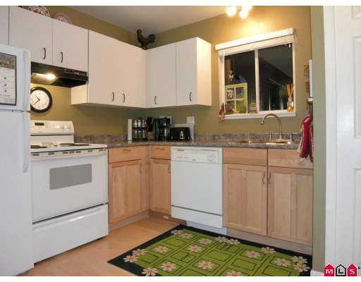 Photo 2: 101 3455 WRIGHT Street in Abbotsford: Matsqui Townhouse for sale : MLS(r) # F2725910