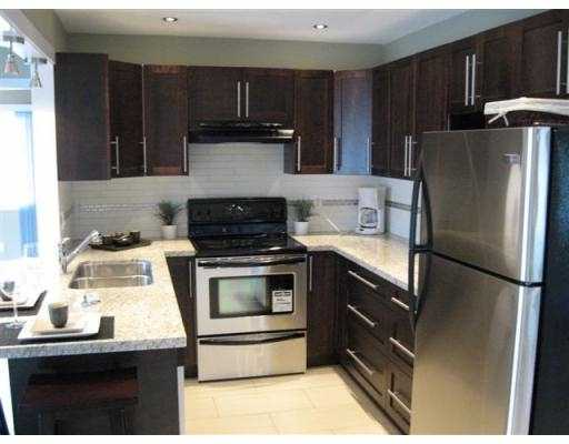 Photo 3: 1459 ELINOR Crescent in Port_Coquitlam: Mary Hill House for sale (Port Coquitlam)  : MLS(r) # V693388