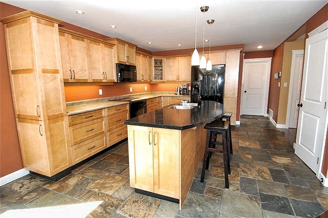 Photo 15: Photos: 243 NORTH SHORE ROAD in LAKE COWICHAN: House for sale : MLS®# 294475