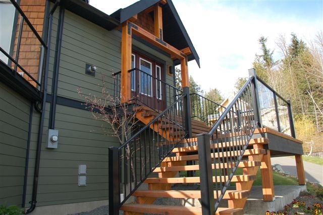 Photo 2: Photos: 243 NORTH SHORE ROAD in LAKE COWICHAN: House for sale : MLS®# 294475