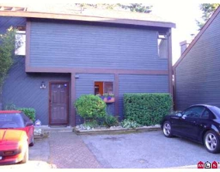 "Main Photo: 6047 W GREENSIDE Drive in Surrey: Cloverdale BC Townhouse for sale in ""Greenside"" (Cloverdale)  : MLS® # F2720669"