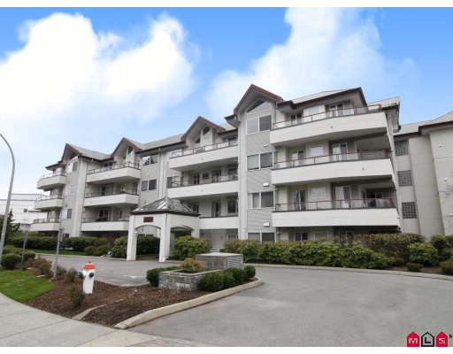 Main Photo: 304 2526 LAKEVIEW Crescent in Abbotsford: Central Abbotsford Condo for sale : MLS® # F2806584