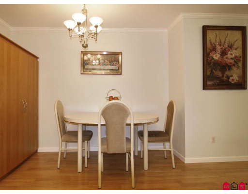 Photo 6: 304 2526 LAKEVIEW Crescent in Abbotsford: Central Abbotsford Condo for sale : MLS(r) # F2806584