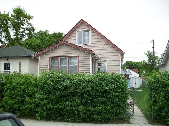 Main Photo: 1483 Alexander Avenue in WINNIPEG: Brooklands / Weston Residential for sale (West Winnipeg)  : MLS® # 1010339