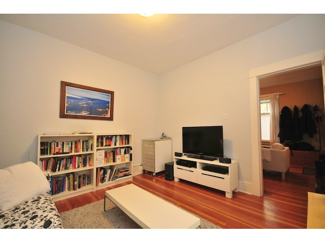 Photo 4: 720 E 30TH Avenue in Vancouver: Fraser VE House  (Vancouver East)  : MLS(r) # V867911
