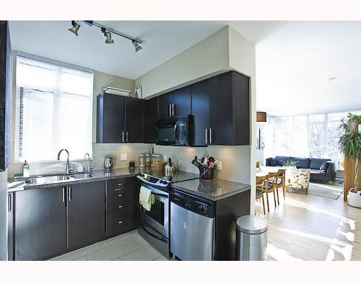 "Photo 4: 201 2520 MANITOBA Street in Vancouver: Mount Pleasant VW Condo for sale in ""THE VUE"" (Vancouver West)  : MLS(r) # V755971"