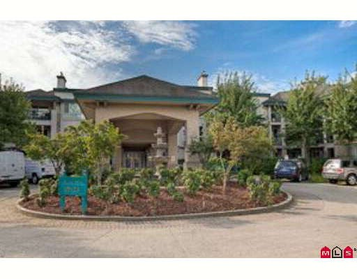 "Main Photo: 122 19528 FRASER Highway in Surrey: Cloverdale BC Condo for sale in ""Fairmont on Boulevard"" (Cloverdale)  : MLS®# F2921725"