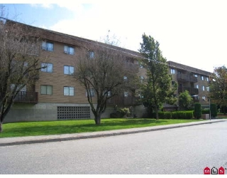 "Main Photo: 303 9282 HAZEL Street in Chilliwack: Chilliwack E Young-Yale Condo for sale in ""HAZELWOOD MANOR"" : MLS® # H2804812"