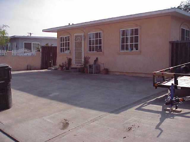 Photo 2: SAN DIEGO Residential for sale : 2 bedrooms : 4545 HILLTOP DRIVE
