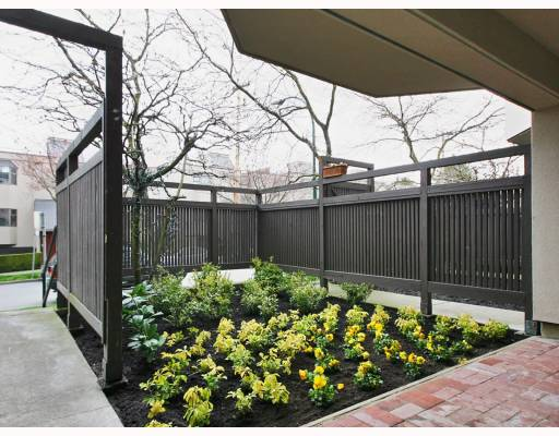 Photo 4: 1362 W 8TH Avenue in Vancouver: Fairview VW Townhouse for sale (Vancouver West)  : MLS® # V753374