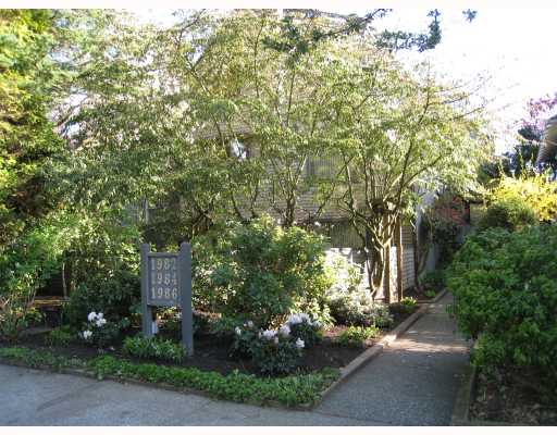 Main Photo: 1986 W 15TH Avenue in Vancouver: Kitsilano Townhouse for sale (Vancouver West)  : MLS® # V764948